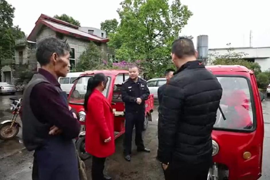 璧山警方成功破获系列电瓶车被盗案